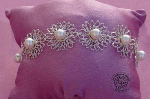 Blütenarmband aus Draht, silber