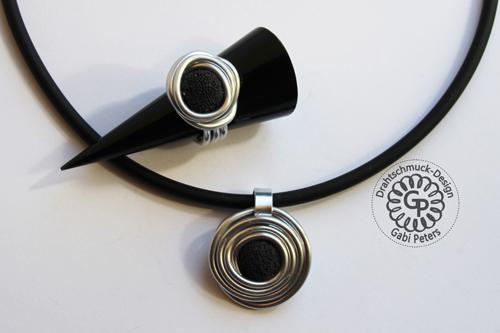 Alucollier mit schwarzer Lava Perle